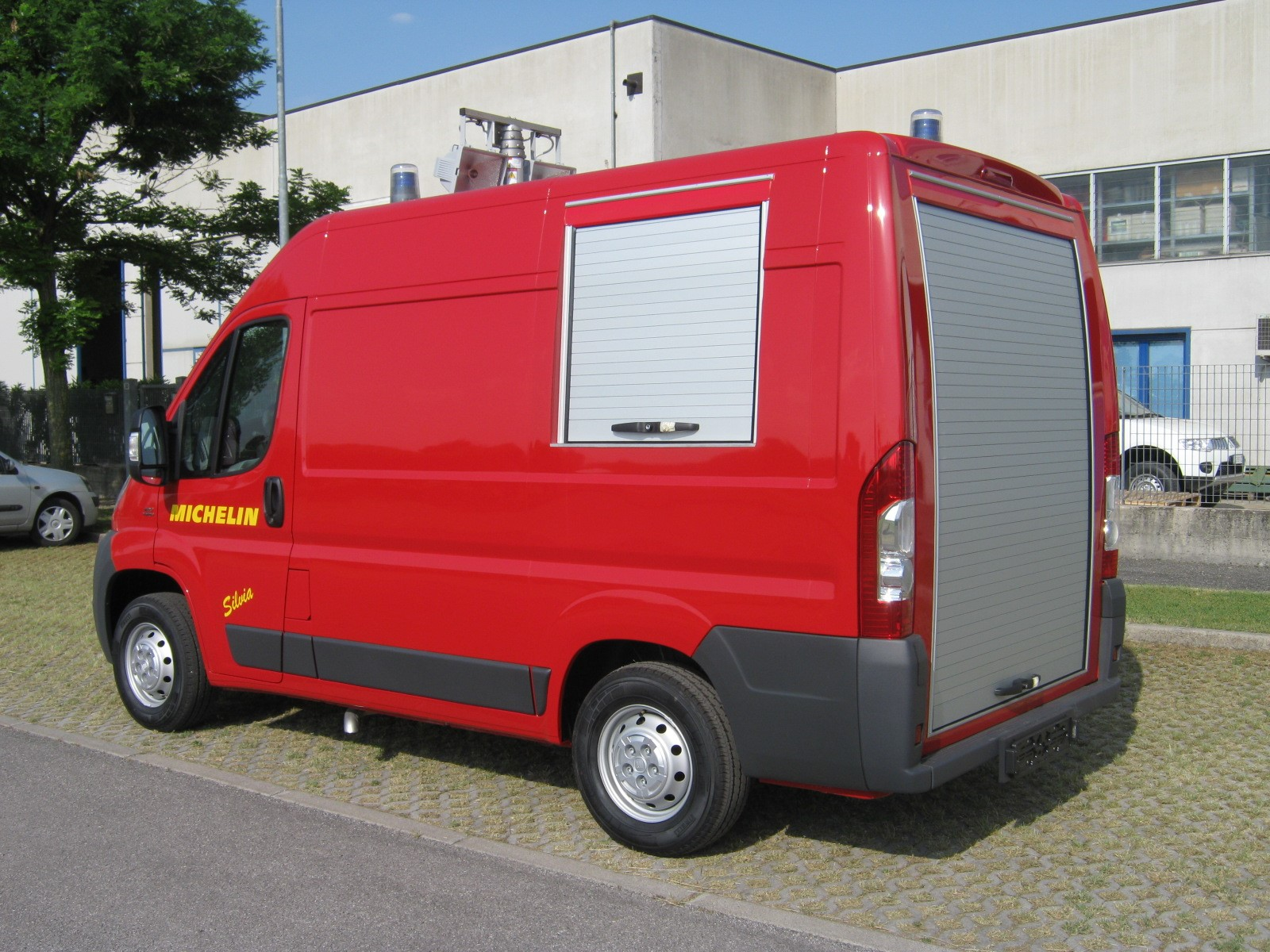 furgone-ducato-incendio-industriale